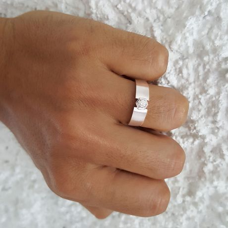 Bague Hommes en Or blanc et sertie d'un Diamant taille brillant | Capitaine