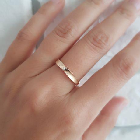 Fede Donna - Oro rosa 2.3gr - Diamante 0.013ct