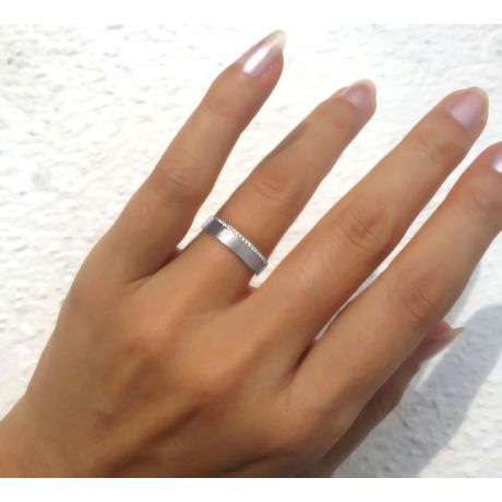 Alliance Clizia - Or Blanc Brossé 18cts pour Femme - Liseré de 19 Diamants | Gemperles