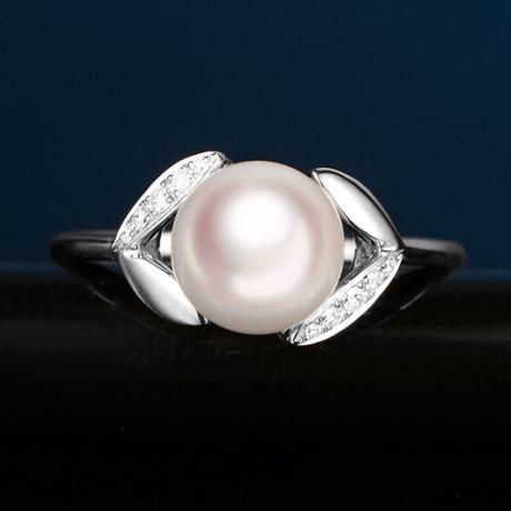 Anello Petali Oro bianco, Diamanti e perla Akoya Giappone