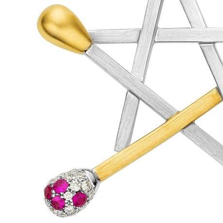Ciondolo -  Due Ori 2.70gr - Diamanti, Rubini 0.060ct