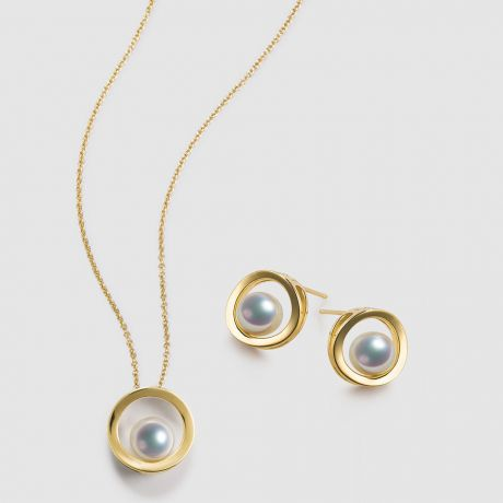 Pendentif et Boucles Himiko. Perles Akoya, Or jaune, diamants