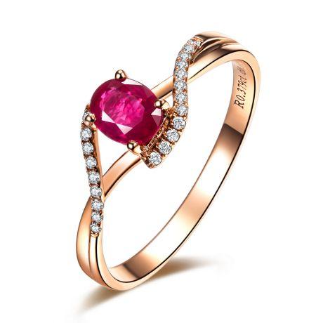 Bague rubis diamants en or rose - Entre les doigts