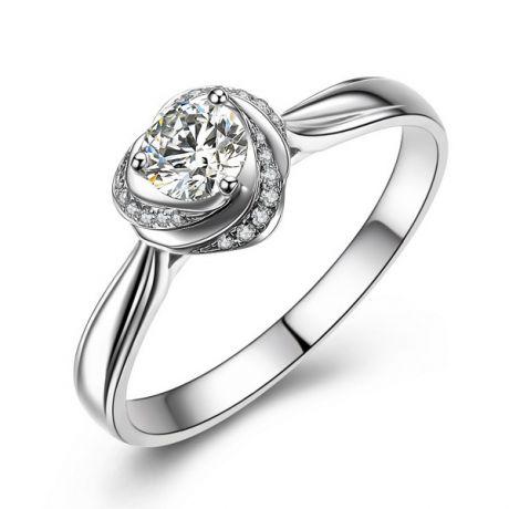 Anello di Fidanzamento Cuore di Rosa - Oro Bianco Lucido e Diamanti VS/G | Gemperles