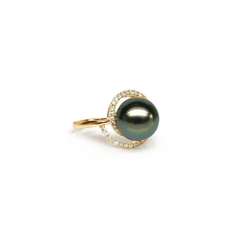 Bague or jaune - Perle de Tahiti encerclée - Diamants sertis griffes